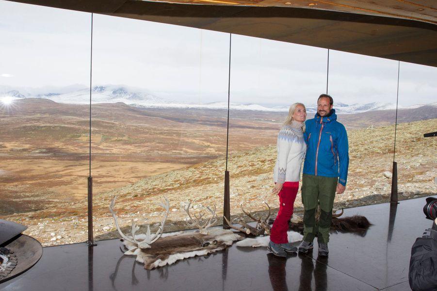 La princesse Mette-Marit et le prince Haakon de Norvège, le 17 septembre 2019 à Hjerkinn