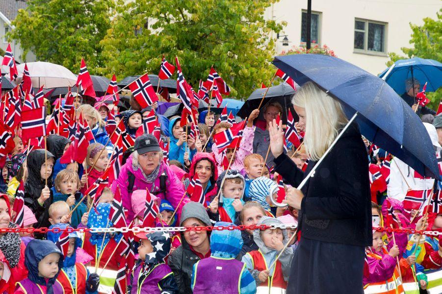 La princesse Mette-Marit et le prince Haakon de Norvège à Drobak, le 15 septembre 2015