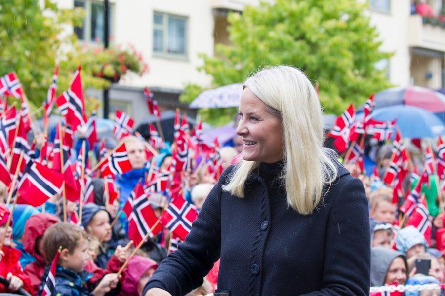 La princesse Mette-Marit et le prince Haakon de Norvège à Oppegard, le 15 septembre 2015