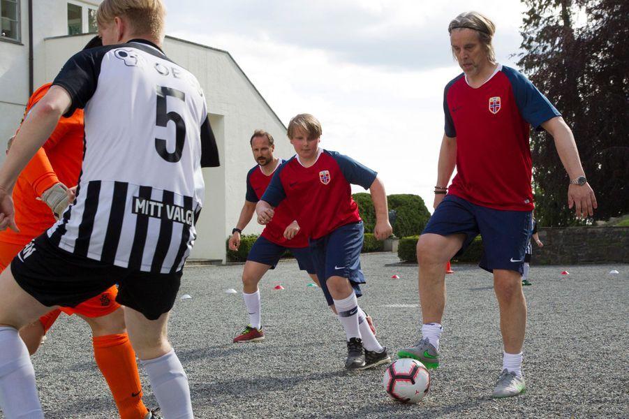 Les princes Sverre Magnus et Haakon de Norvège à Asker, le 29 mai 2019