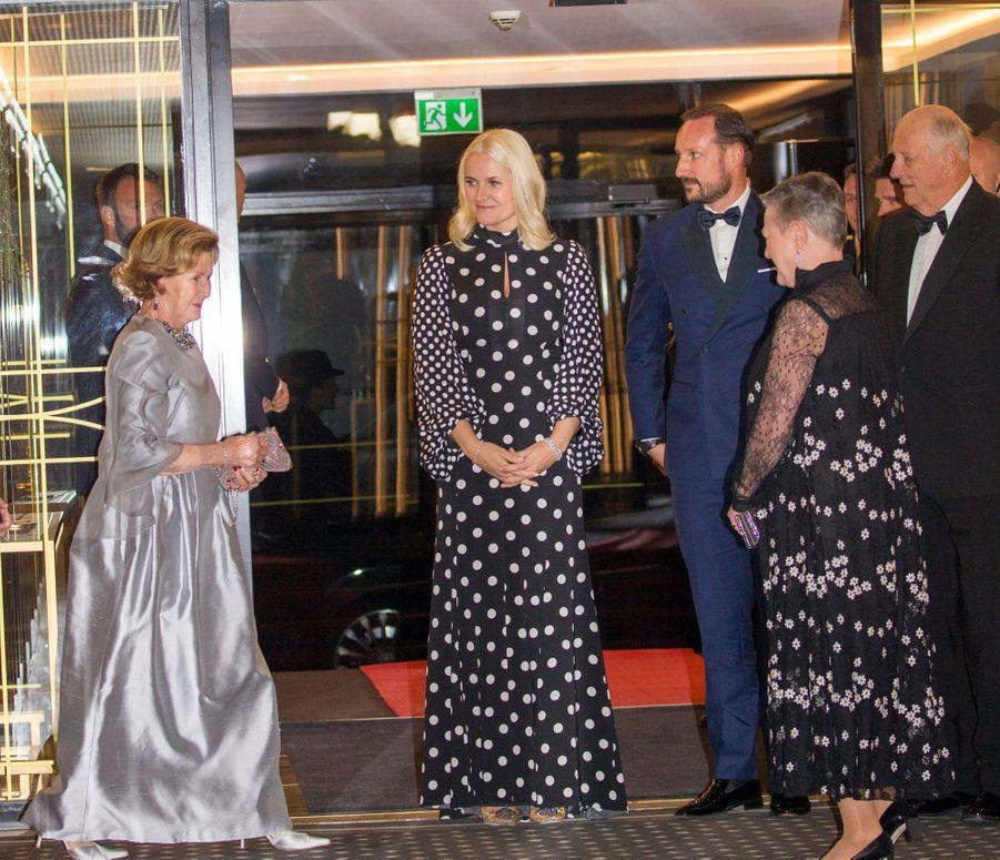 La reine Sonja, la princesse Mette-Marit, le prince Haakon et le roi Harald V de Norvège à Oslo, le 10 décembre 2018