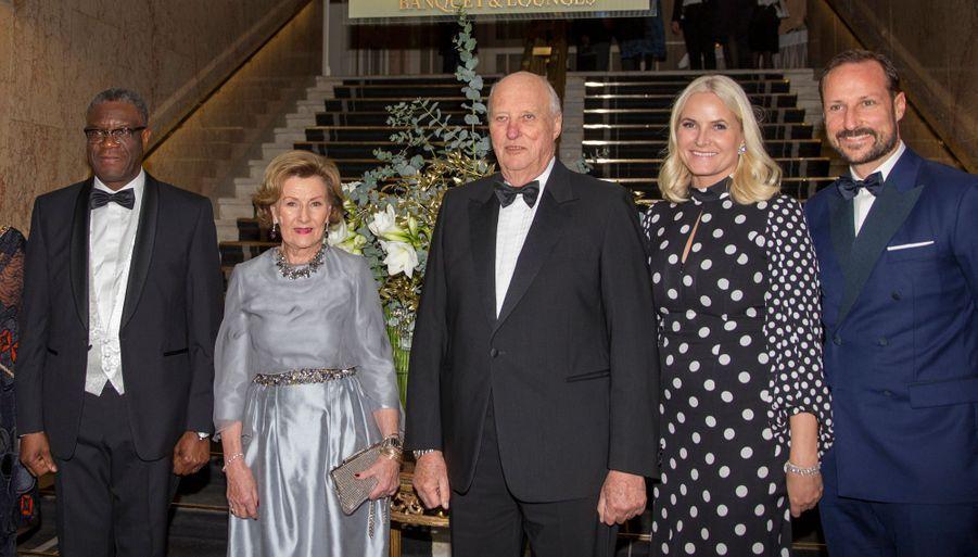 La famille royale de Norvège avec Denis Mukwege à Oslo, le 10 décembre 2018