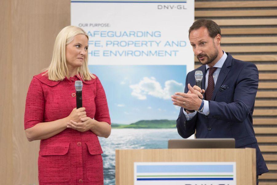 La princesse Mette-Marit et le prince Haakon de Norvège à Hoevik, le 31 mai 2017