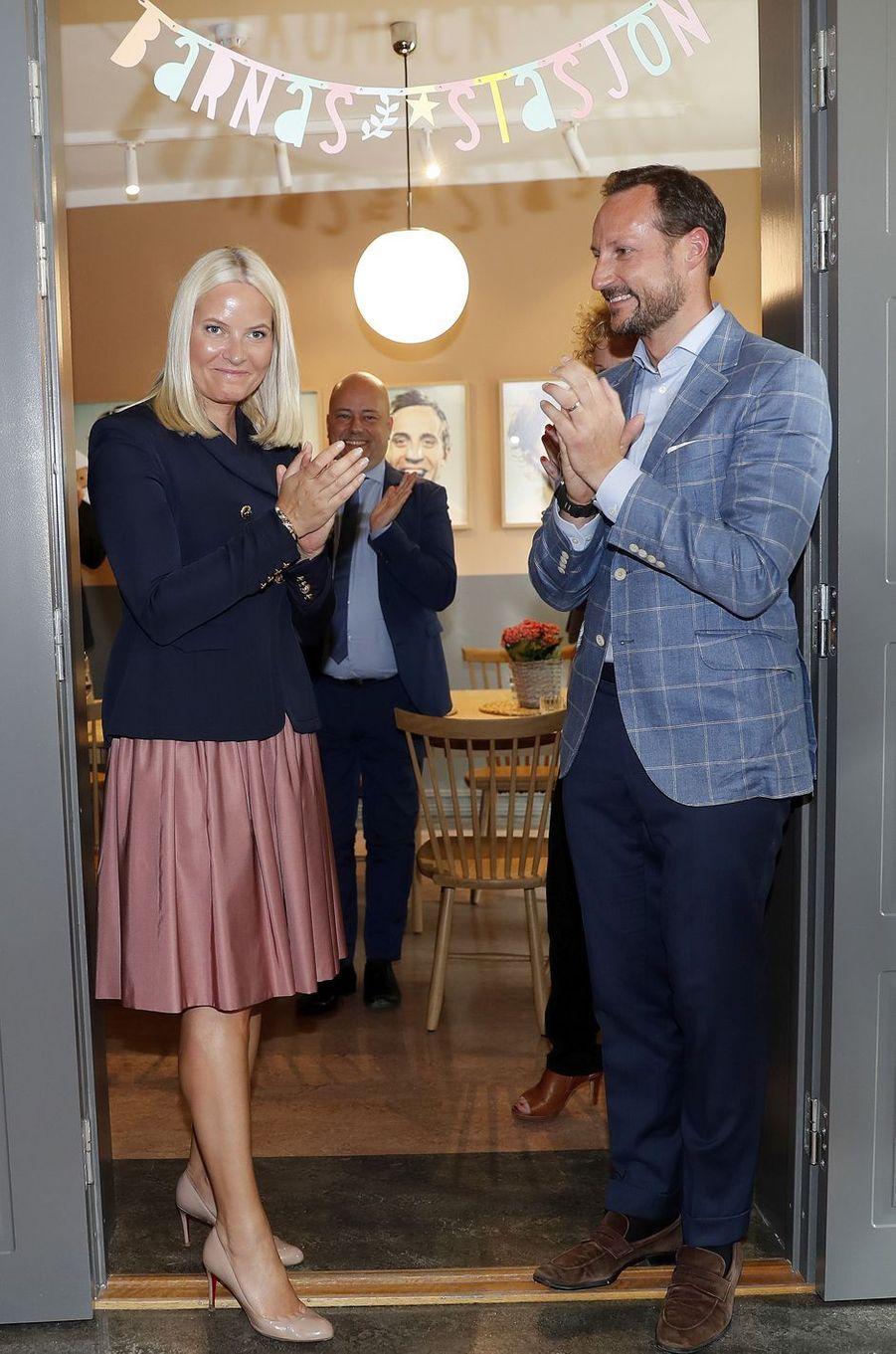 La princesse Mette-Marit et le prince Haakon de Norvège à Oslo, le 29 mai 2017