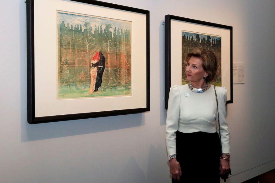 La reine Sonja de Norvège à Londres, le 9 avril 2019