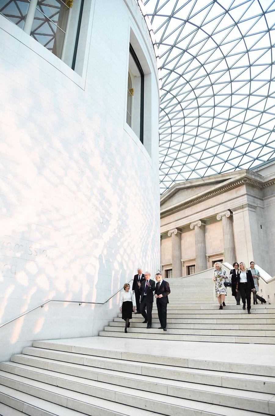 La reine Sonja de Norvège au British Museum à Londres, le 9 avril 2019