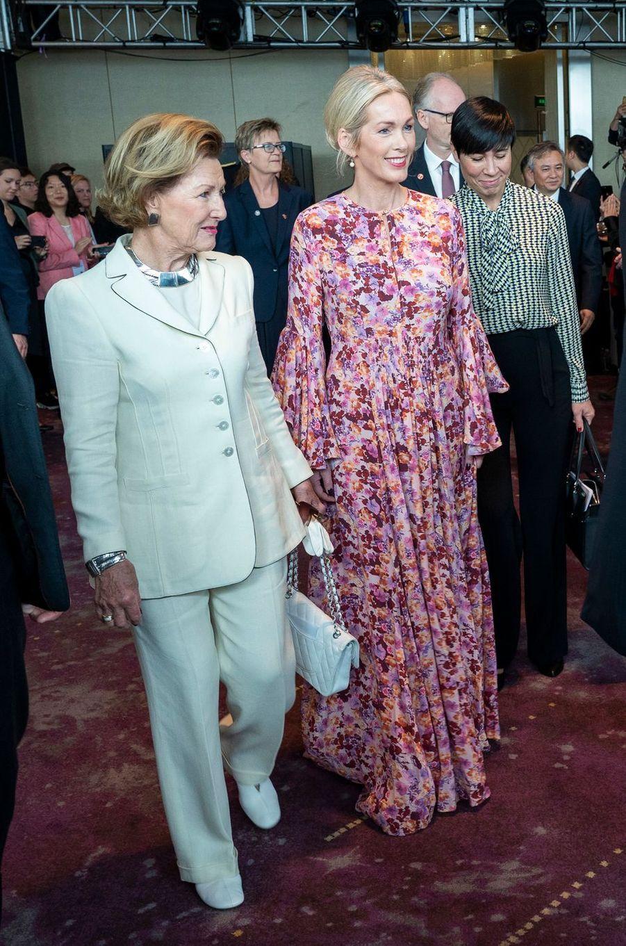 La reine Sonja de Norvège à Shanghai, le 18 octobre 2018