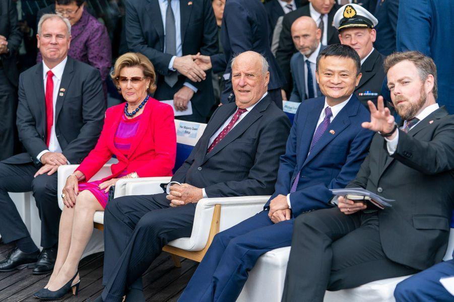 La reine Sonja et le roi Harald V de Norvège à Shanghai, le 18 octobre 2018