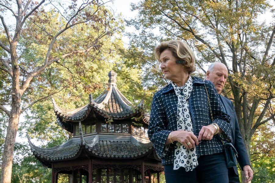 La reine Sonja de Norvège à Suzhou, le 19 octobre 2018