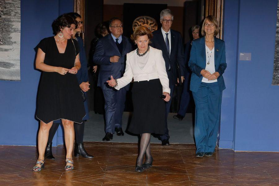 La reine Sonja de Norvège à Sèvres, le 23 septembre 2018