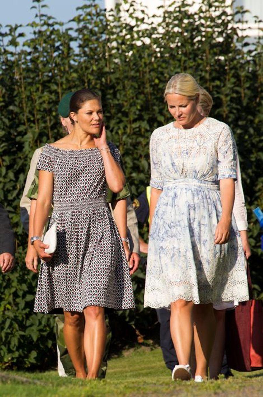 Les princesses Victoria de Suède et Mette-Marit de Norvège à Stromstad en Suède, le 22 août 2015