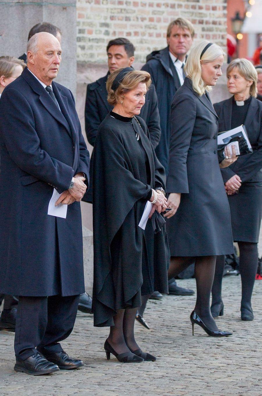 Le roi Harald V de Norvège, la reine Sonja et la princesse Mette-Marit, à Oslo le 3 janvier 2019