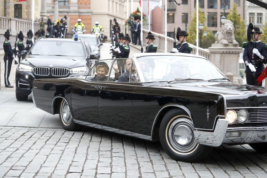 La reine Sonja et le prince héritier Haakon de Norvège à Oslo, le 2 octobre 2020