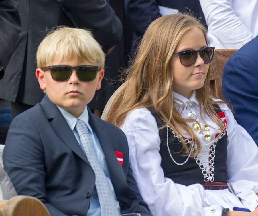 Le prince Sverre Magnus de Norvège avec sa soeur la princesse Ingrid Alexandra, le 1er septembre 2016