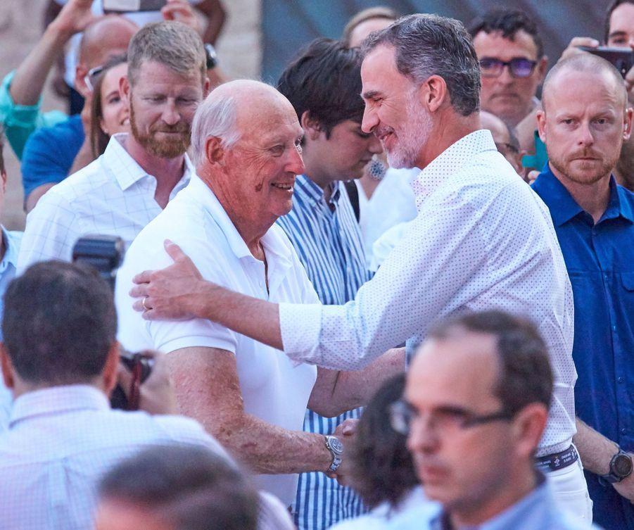 Le roi Harald V de Norvège et le roi Felipe VI d'Espagne à Palma de Majorque, le 4 août 2019