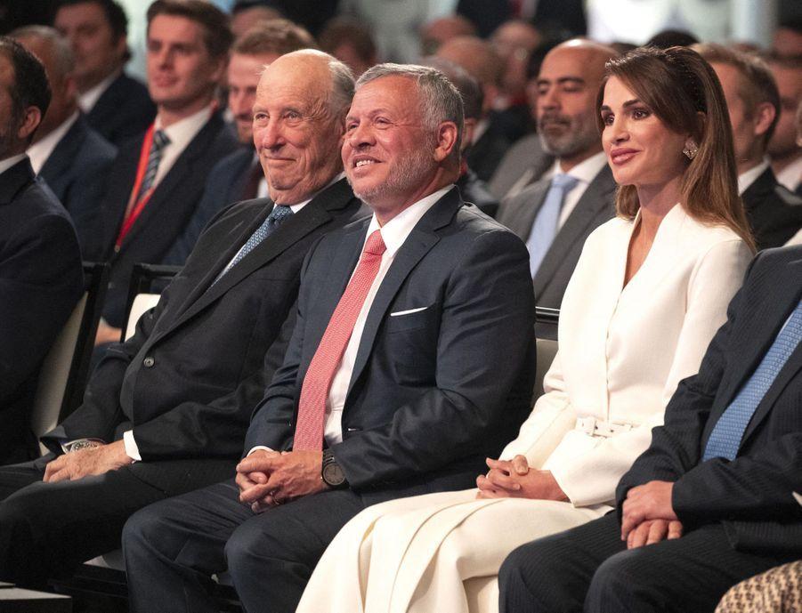 Le roi Harald V de Norvège avec la reine Rania et le roi Abdallah II de Jordanie à Amman, le 2 mars 2020