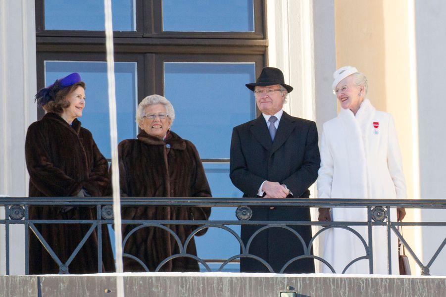 La reine Silvia de Suède, la princesse Astrid de Norvège, le roi Carl XVI Gustaf de Suède et la reine Margrethe II de Danemark à Oslo, le 17 jan...