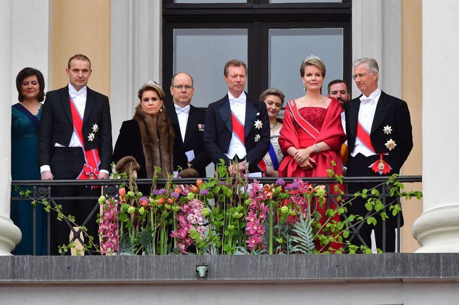 Le couple présidentiel islandais, la famille grand-ducale de Luxembourg, le prince Albert II de Monaco et le roi des Belges Philippe et la reine Mathilde