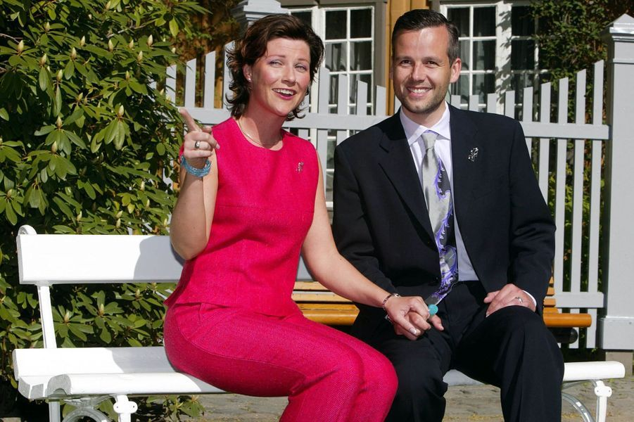 La princesse Märtha Louise de Norvège avec son fiancé Ari Behn, le 22 mai 2002
