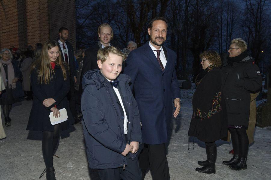 Le princes Haakon et Sverre Magnus de Norvège, à Oslo le 24 décembre 2017