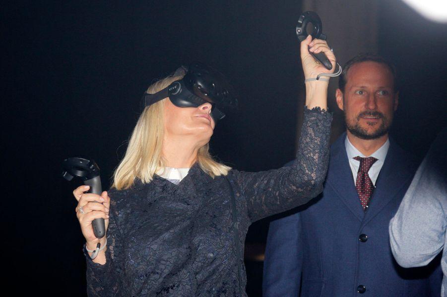 La princesse Mette-Marit et le prince Haakon de Norvège au lancement de la Semaine de l'innovation à Oslo, le 17 octobre 2016