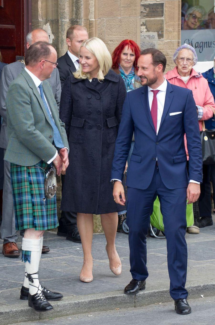 La princesse Mette-Marit et le prince Haakon de Norvège à Kirkwall, le 16 juin 2017