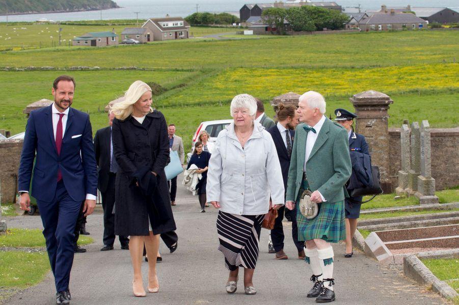La princesse Mette-Marit et le prince Haakon de Norvège à Kirkwall sur l'île de Mainland, le 16 juin 2017