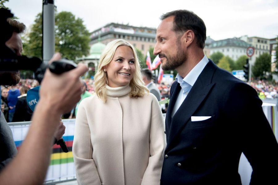 La princesse Mette-Marit et le prince Haakon de Norvège à Bergen pour les Mondiaux de cyclisme, le 24 septembre 2017