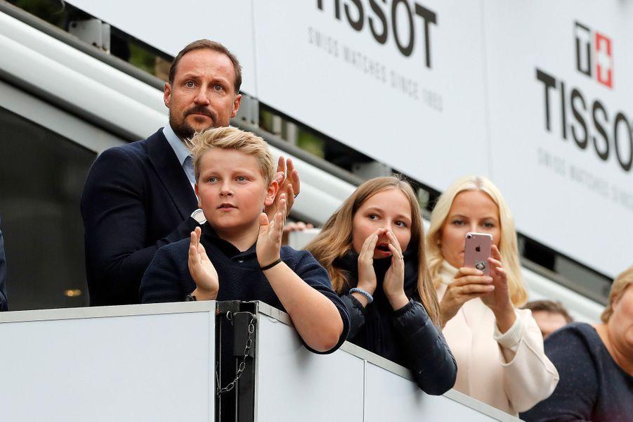 Les princesses Mette-Marit et Ingrid Alexandra et les princes Haakon et Sverre Magnus de Norvège à Bergen, le 24 septembre 2017