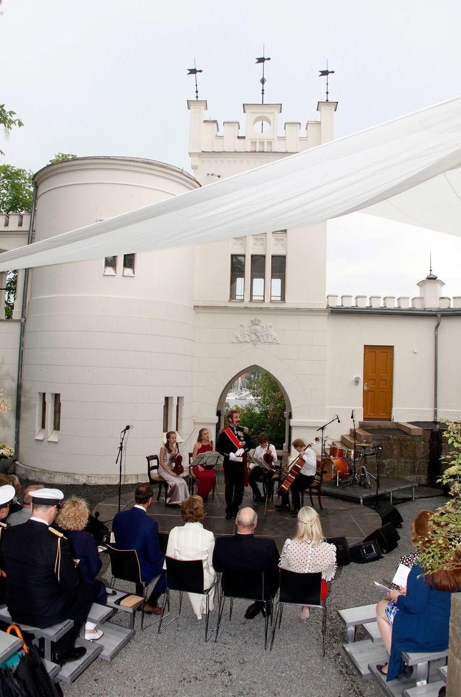 La famille royale de Norvège à Oslo, le 7 juin 2016