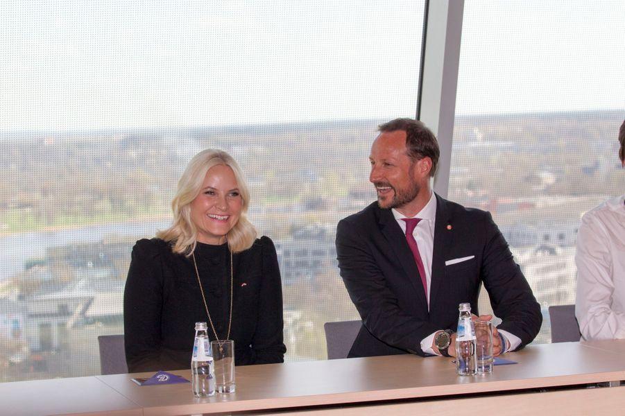 La princesse Mette-Marit et le prince Haakon de Norvège à Riga, le 23 avril 2018