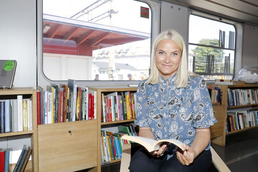 La princesse Mette-Marit de Norvège dans le Train de la littérature, le 6 juin 2018