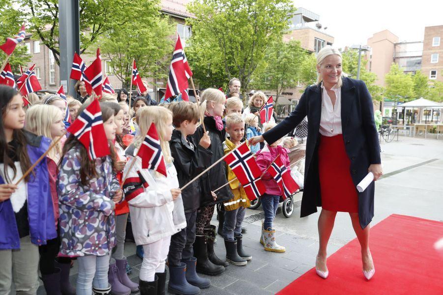 La princesse Mette-Marit de Norvège dans le cadre de la manifestation du Train de la littérature, dans le sud du pays, le 7 juin 2017