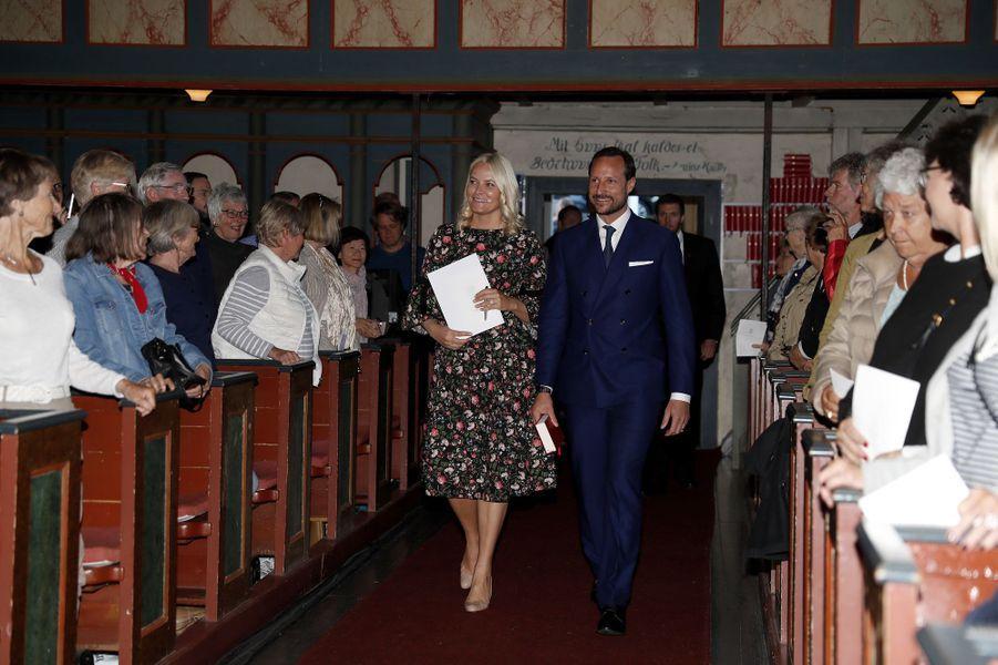 La princesse Mette-Marit et le prince Haakon de Norvège, dans le sud du pays, le 8 juin 2017