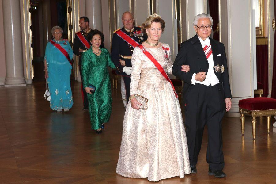 La famille royale de Norvège avec le couple présidentiel singapourien à Oslo, le 10 octobre 2016
