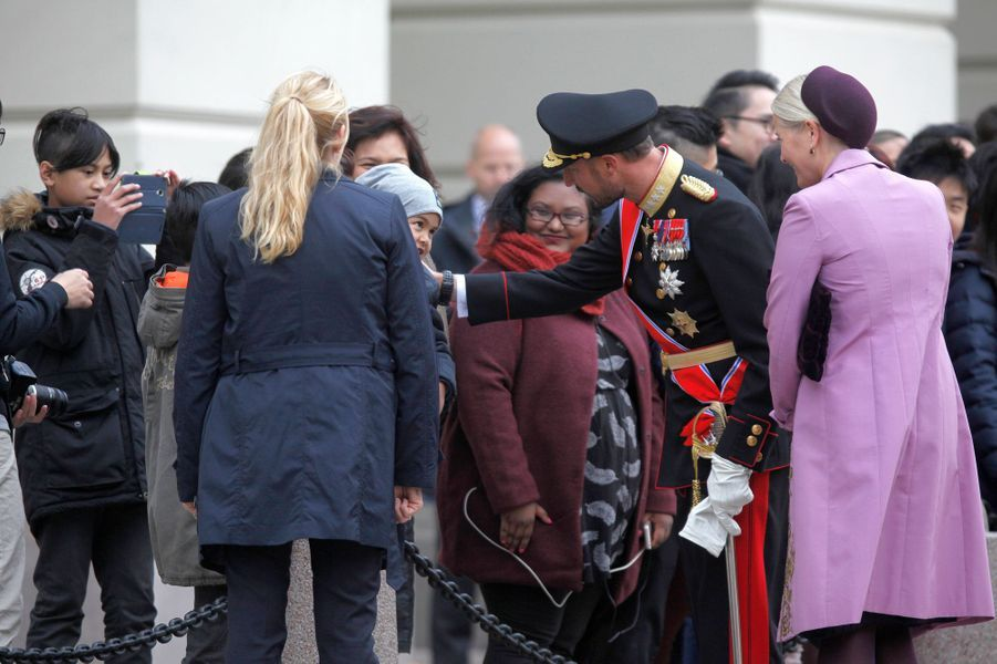 La princesse Mette-Marit avec le prince Haakon de Norvège à Oslo, le 10 octobre 2016