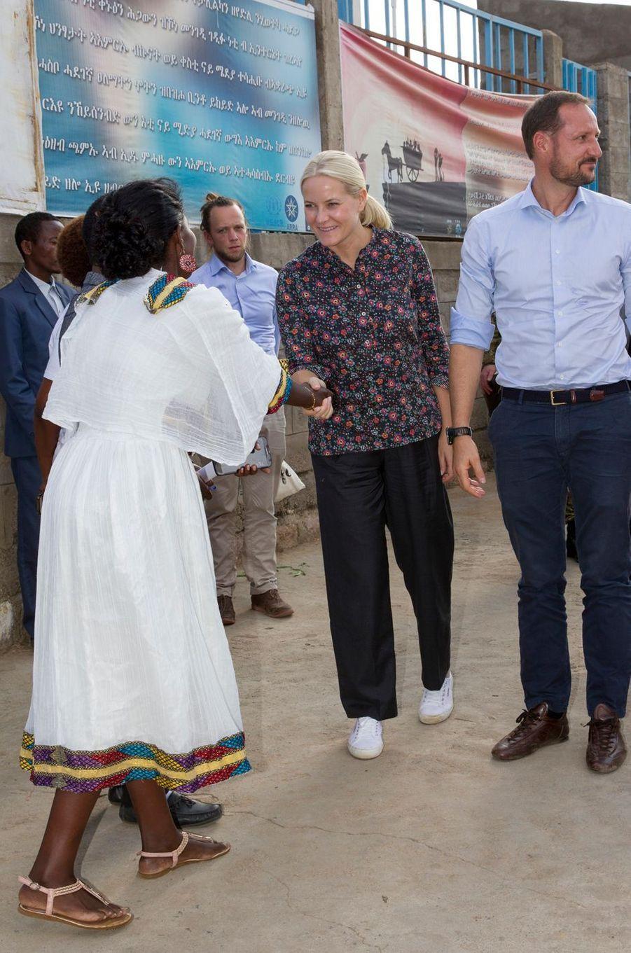 La princesse Mette-Marit et le prince Haakon de Norvège à Endabaguna, le 9 novembre 2017