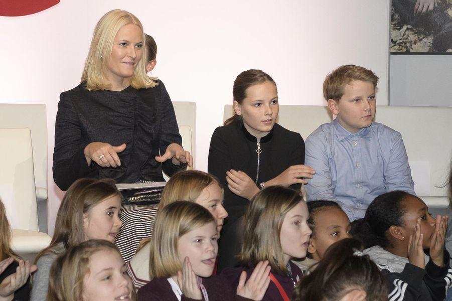 Les princesses Mette-Marit et Ingrid Alexandra et le prince Sverre Magnus de Norvège à Oslo, le 10 décembre 2017