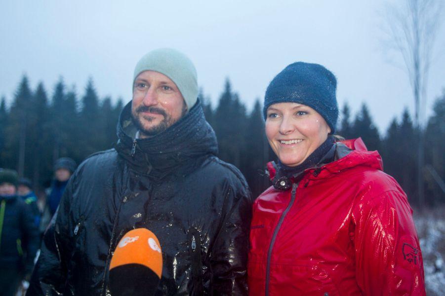 Mette Marit Haakon Norvege À Ski 11 Janv 2017 15