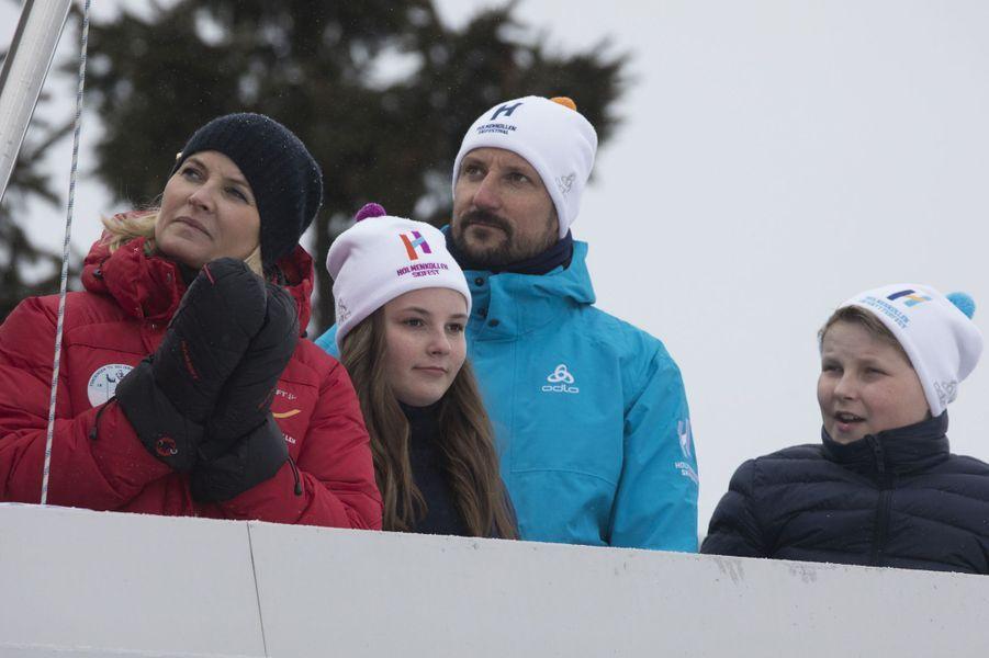 La princesse Mette-Marit et le prince Haakon de Norvège avec leurs enfants à Oslo, le 11 mars 2018