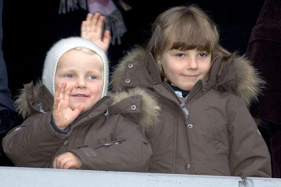 Le prince Sverre Magnus de Norvège avec la princesse Ingrid Alexandra, le 8 novembre 2009