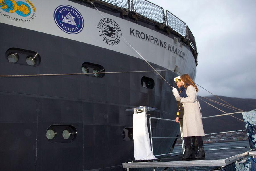 La princesse Ingrid Alexandra de Norvège baptise un brise-glace à Tromso, le 17 novembre 2018
