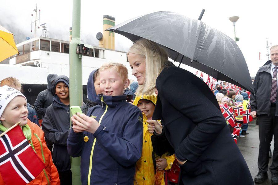 La princesse Mette-Marit de Norvège sur le site de Rjukan-Notodden, le 3 mai 2018