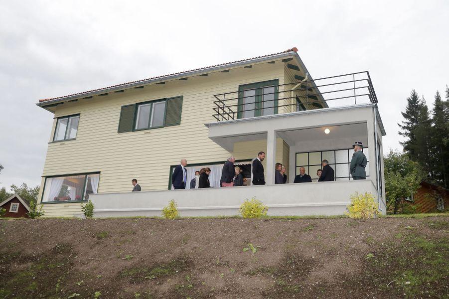 Inauguration de la maison d'enfance de la reine Sonja de Norvège, au musée de Maihaugen à Lillehammer, le 27 août 2018