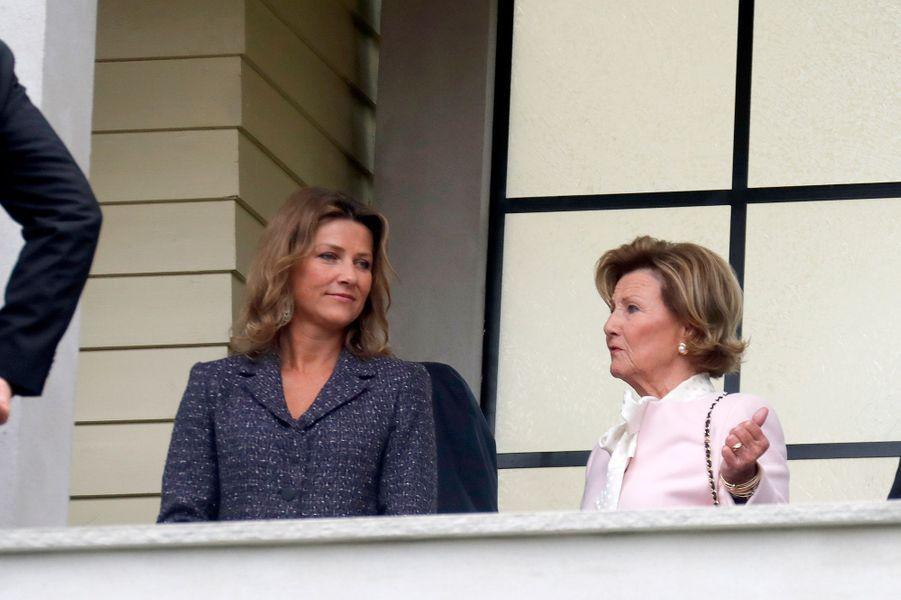 La princesse Märtha Louise et la reine Sonja de Norvège à Lillehammer, le 27 août 2018