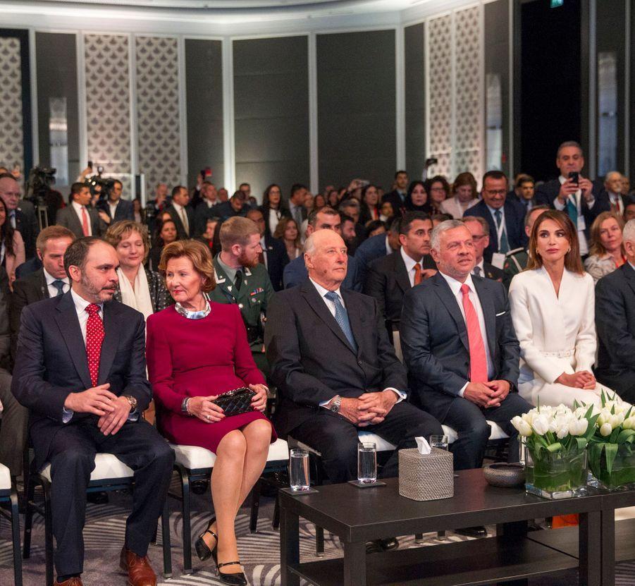 La reine Sonja et le roi Harald V de Norvège avec la reine Rania, le roi Abdallah II et le prince Ali de Jordanie à Amman, le 2 mars 2020