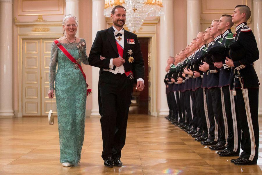 La reine Margrethe II de Danemark et le prince Haakon de Norvège à Oslo, le 9 mai 2017
