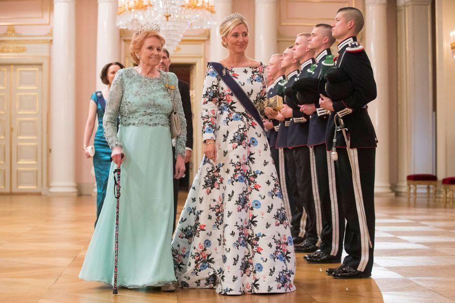 Lady Elizabeth Shakerley et la princesse Marie-Chantal de Grèce à Oslo, le 9 mai 2017