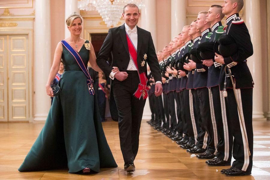 La comtesse Sophie de Wessex avec le président islandais Gudni Johannesson à Oslo, le 9 mai 2017