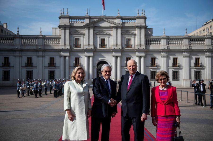 La reine Sonja et le roi Harald V de Norvège et le couple présidentiel chilien à Santiago, le 27 mars 2019